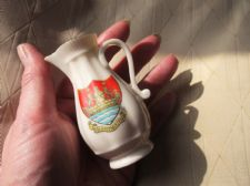 COLLECTABLE VINTAGE GRAFTON CRESTED WARE MINI SHAKESPEARE JUG DARTMOUTH